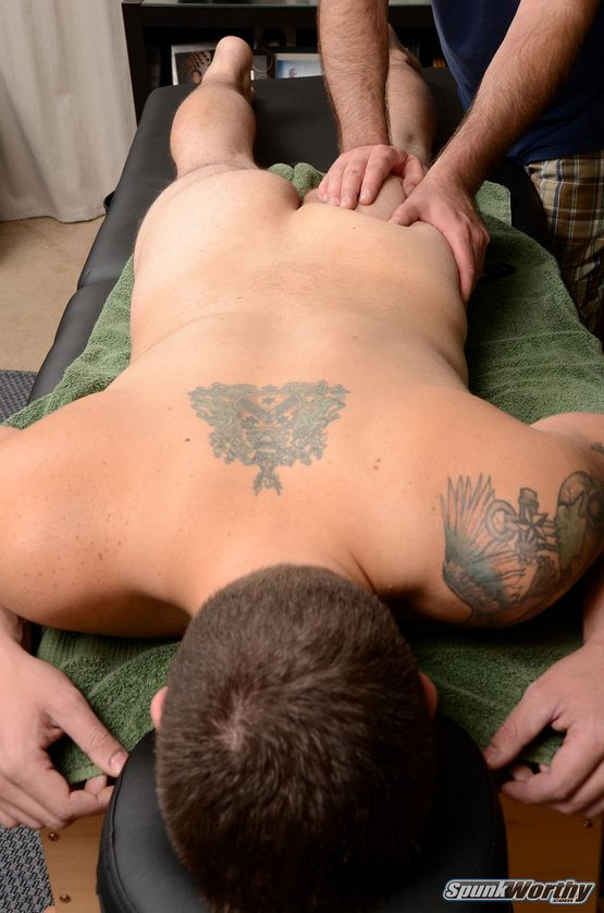 alone gaymassage